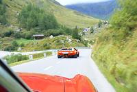 Supercars op de weg omlaag
