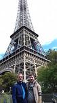 Onderaan de Eiffeltoren