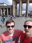 Samen op de foto bij de Brandenburger Turm