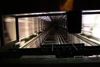 Doorkijk in de lift van de Fersehnturm.