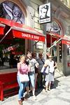 Een bezoek aan het James Dean café stond ook op het programma