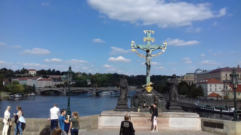Uitzicht op de Manés brug