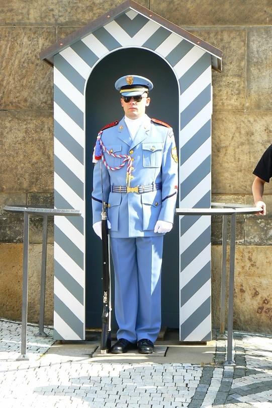 Uiteraard heeft het paleis ook een schildwacht bij de ingang staan!