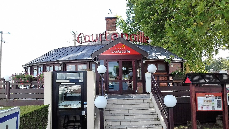 Een knus restaurant aan de Route National 6