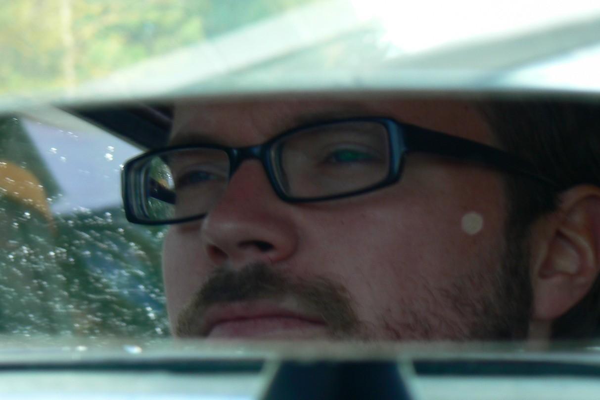 Stefan via de binnenspiegel