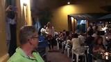 Gezellige muziek tijdens het diner in 'La peña'.