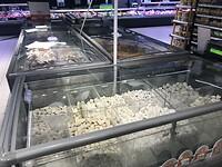 """In grote supermarkt te koop Poolse specialiteit """"dumplings"""""""