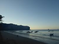 Ao Nang beach en toeristen bootjes
