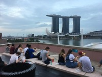 Uitzicht op Marina Bay Sands en de baai