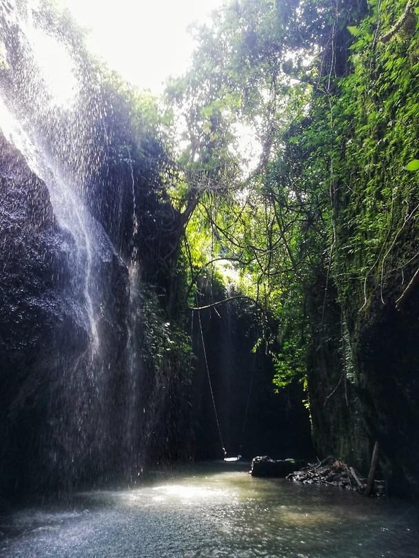 ubud secret waterfall marit