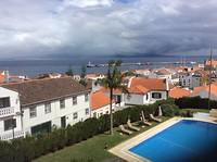 Uitzicht op de haven van Horta met Pico op de achtergrond