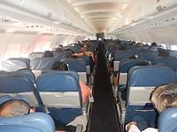 Aan boord bij Latham airlines.
