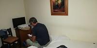 Onze kamer was klein en donker.