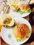 """Healthy Burger"" in Mirissa"
