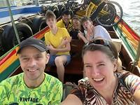 Met de longtailboot #Co van Kessel