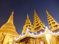 Schwedagon by night