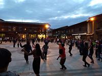 Dansen op het pleintje