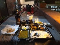 Traditionele Nepalese maaltijd