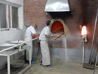 De bakker bakt, ook om 21.00 uur.
