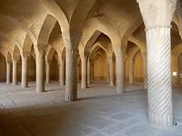40 marmeren pilaren in de moskee