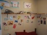 kaartenmuur in onze kamer