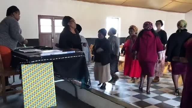 De collecte voor de vrouwen