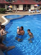 Allemaal in zwembad