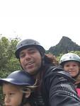 Didi juna en jessa op scooter