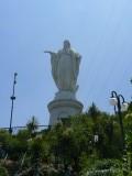 op de top staat Maria
