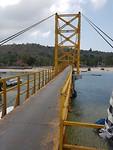 Via de brug naar Nusa Ceningan