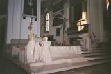 337 Moderne kunst in historische kerk