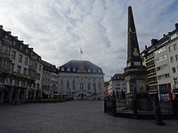 Bonn, zondagachtend om half negen ...