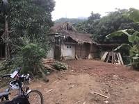 Armtierige huisjes langs de weg