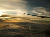 Super mooie zonsondergang vanuit het vliegtuig! <3