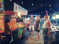 Op de night market :D