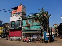 Oud gebouw dat is blijven staan tijdens de Tsunami