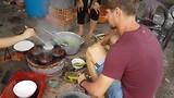 Rijstpannekoeken maken in Vietnam