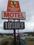 Het inspirerende uithangbord van ons motel