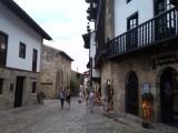 en een mooi straatje: Santillana del Mar