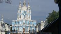 een van de vele kerken in de stad