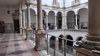 patio rond de klaslokalen