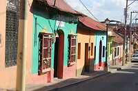 Gekleurde huisjes op het eiland van Flores