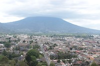 Panorama view over de stad Antigua