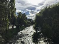 Rivier Tomebamba door de stad Cuenca