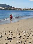Hier houd ik (Ria)  van, blote voeten en zee!