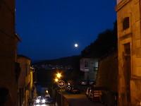 Volle maan bij hostel