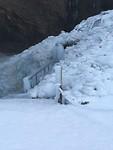 Bevroren trap bij waterval Seljalandsfoss