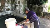 Handwas voordat er een wasmachine wordt aangeschaft.
