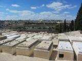 De Joodsebegraafplaats op de Olijfberg met uitzicht op Jeruzalem