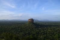 Uitzicht op de Sigiriya rots